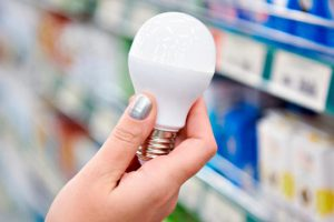 bombilla LED para ahorrar en nuestra factura